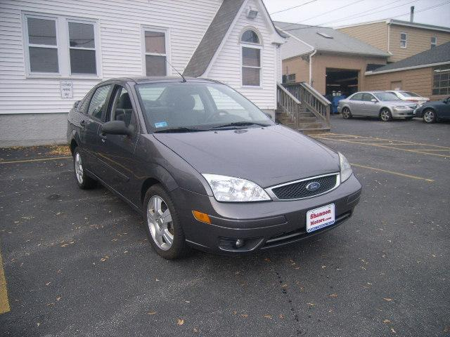 Used Ford Focus 4dr Sdn ZX4 SES