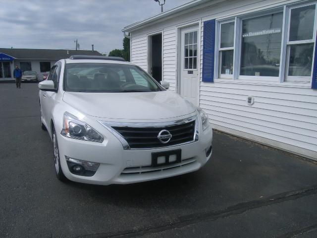 Used Nissan Altima 4dr Sdn V6 3.5 SL