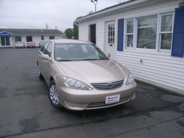 Used Toyota Camry 4dr Sdn LE Auto (SE)